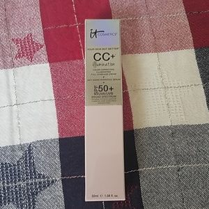It Cosmetics CC + Illumination full coverage light